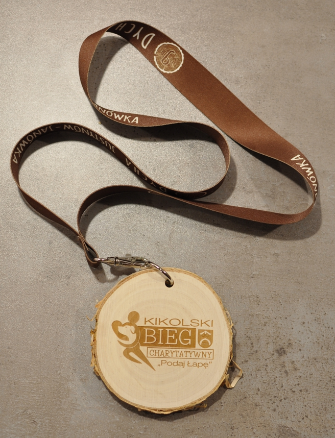 Medal drewniany charytatywny