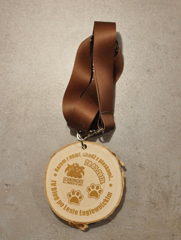 Medal drewniany bieg po lesie