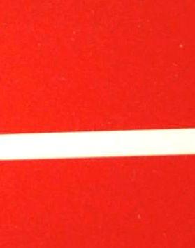 czerwony z białym grawerem